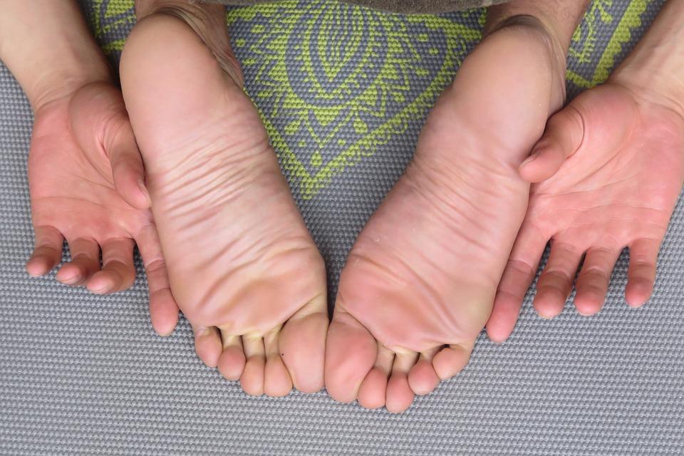 feet-1459461_960_720